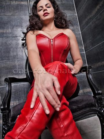 Domina Miss Marcela